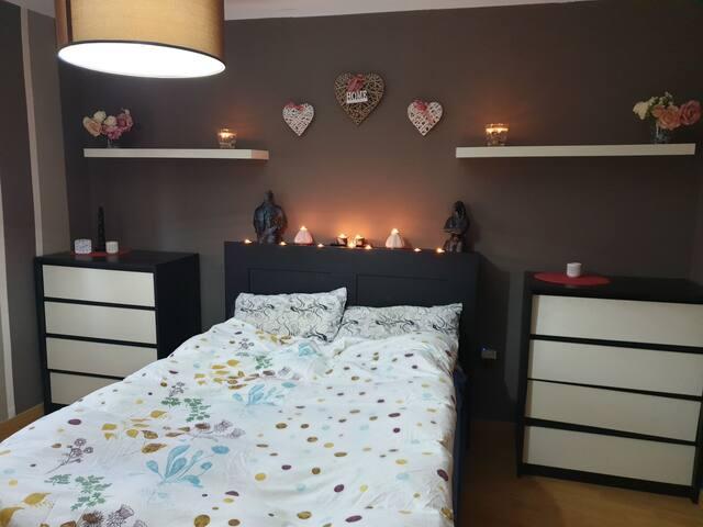 habitación tranquila y luminosa