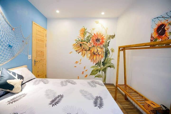 Stylish room in Halong center with pool ( summer )