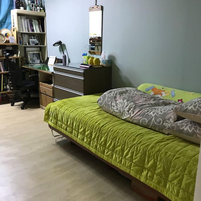 작은방1  싱글침대