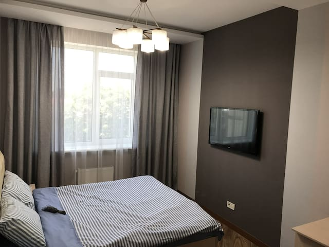 Bringt apartment in the center of city