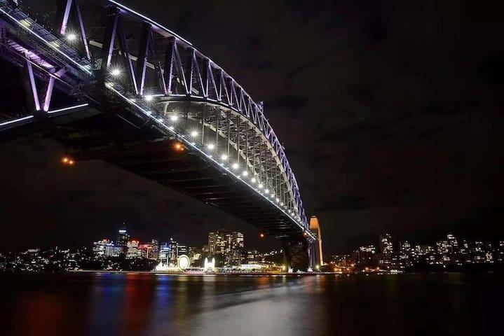 悉尼中心宽敞大房位置便捷good location/2min Westfield/15min CT