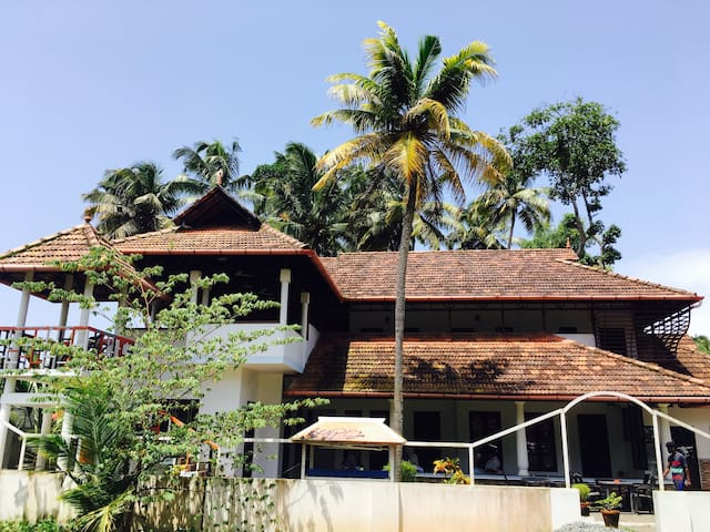 Lake View - Non AC-Alleppey
