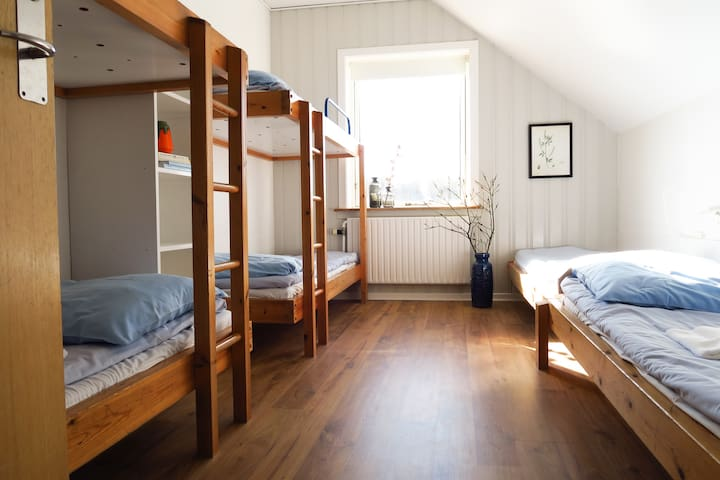Room for 6 people