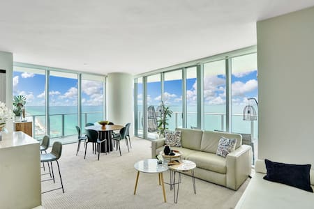 Ocean Front Luxury  2Bedrooms 2Bathrooms, 31 floor