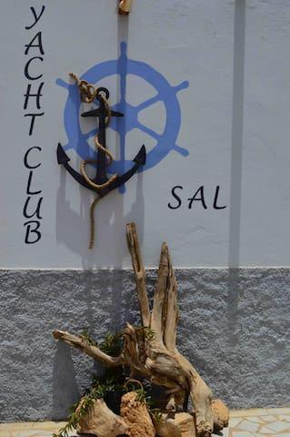 Yacht Club Sal, matrimoniale
