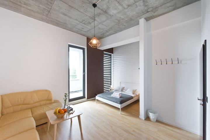Cosy Space Apartments - 3-prv bathroom and balcony
