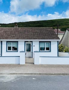 Pet Friendly Newly renovated bungalow in the town