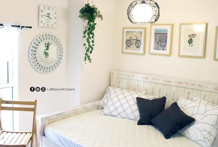 Chic, cool and cozy 1BR home in Tagaytay