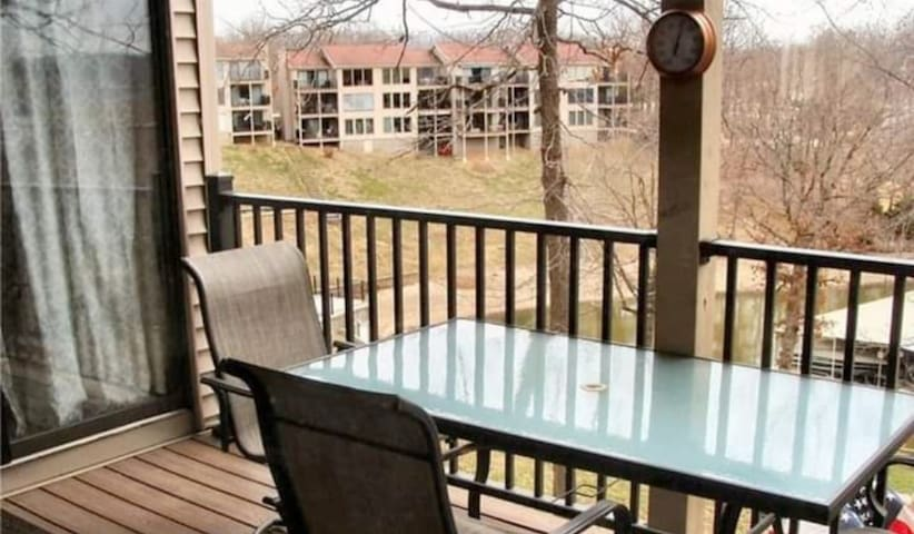 Lake of the Ozarks Lake Front Condo With Boat Slip