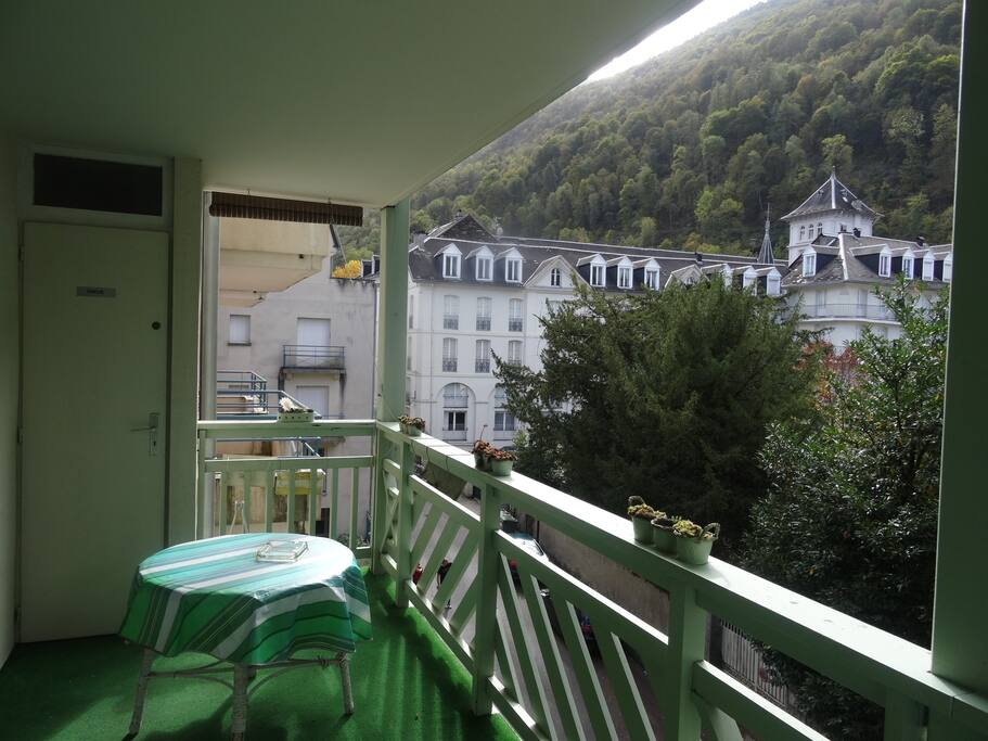 Trés belle Terrasse de 10 m2 exposée Sud Ouest