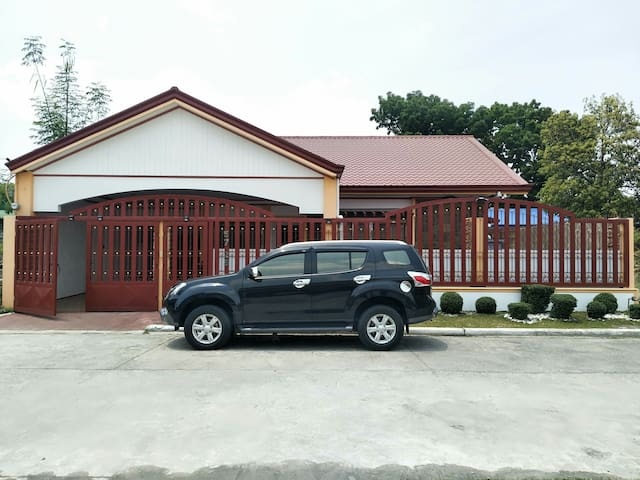 1 big bungalow house with private swimming pool