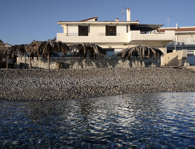 Villa by the sea - Nerantza - Hus
