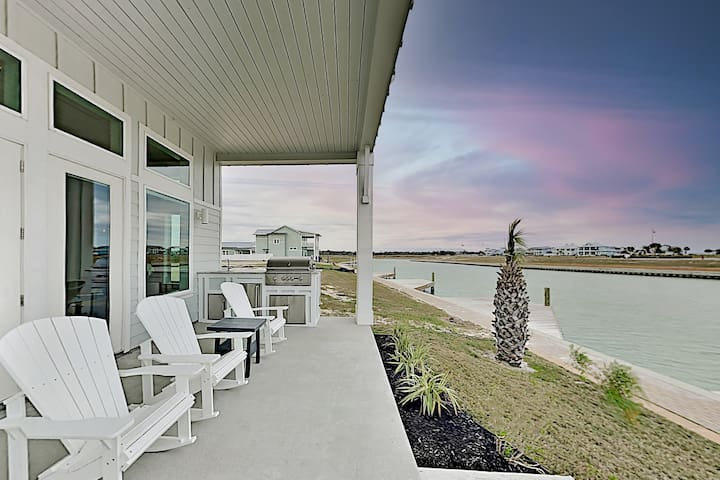 Waterfront Luxury | Private Dock & Outdoor Kitchen