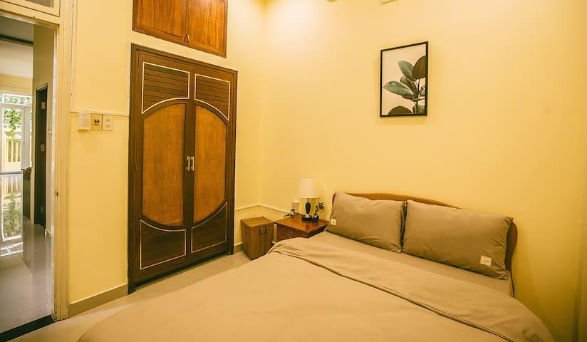 The downstairs bedroom (bedroom 1)