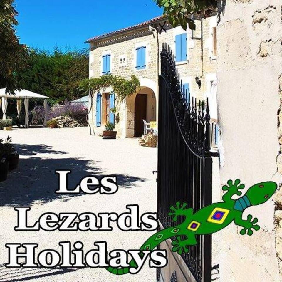 Entrance to Les Lézards