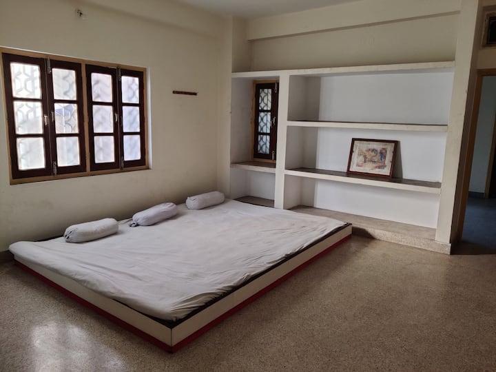 Big Room in Bhartiya Guest House near Gurudwara