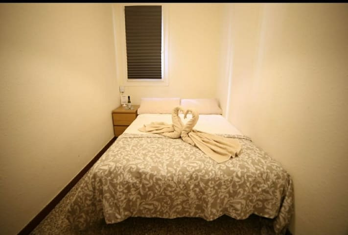 3.1 Beauty and clean room in Barcelona