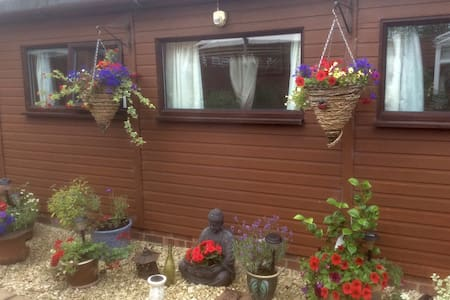 Jaclyn Bed and Breakfast Double - Gillingham