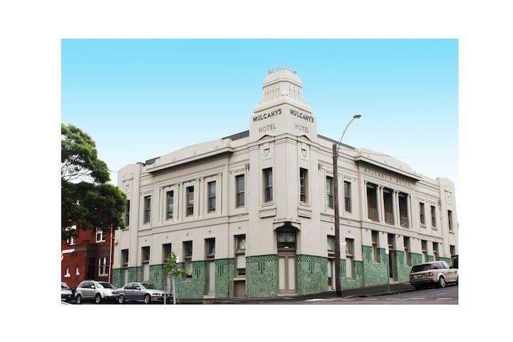 Charismatic City Fringe Apartment - North Melbourne - Apartamento