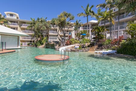 Alex Beach Resort, 1 Bedroom Ocean and Pool Views - Alexandra Headland