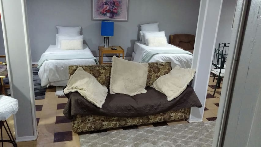 Cozy studio, private entrance & 3 min. JFK