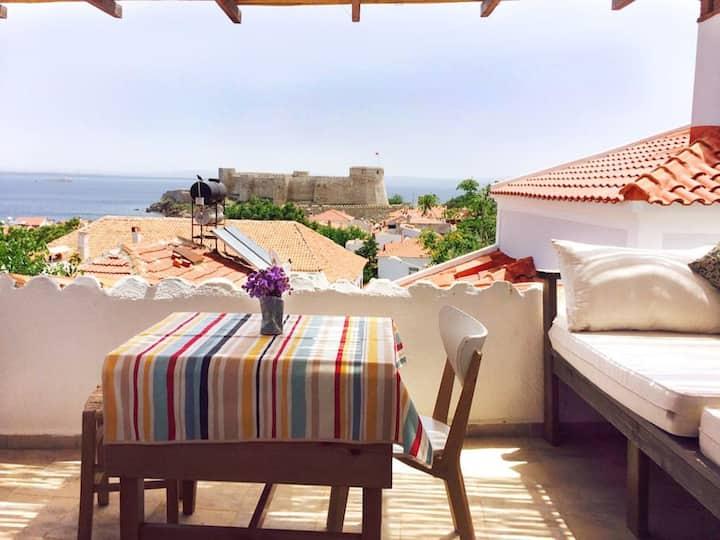 Kuscheliges Haus mit großer Terrasse und Meerblick