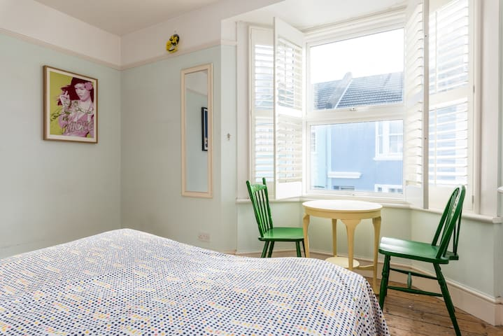 Funky room In Great Area - Brighton - Casa