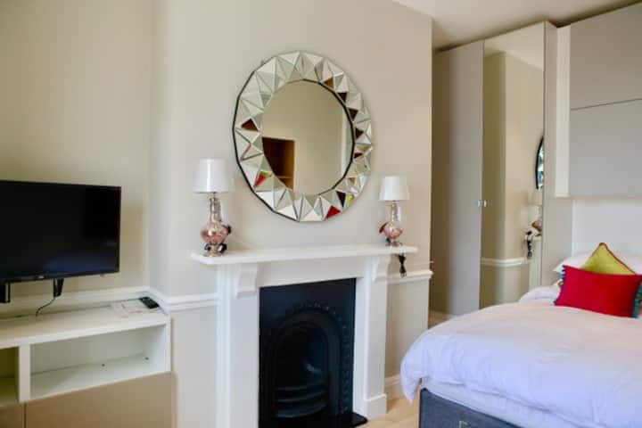 Belgrave Apartment 4 Clifton Bristol