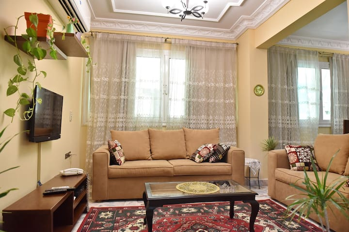 Charming Downtown Apartment in the heart of Cairo
