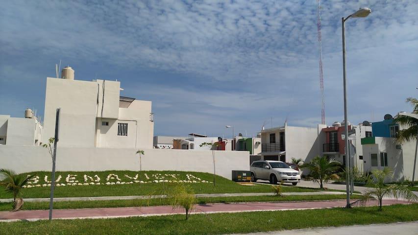 Casa en zona residencial Buenavista - Ciudad del Carmen - 獨棟