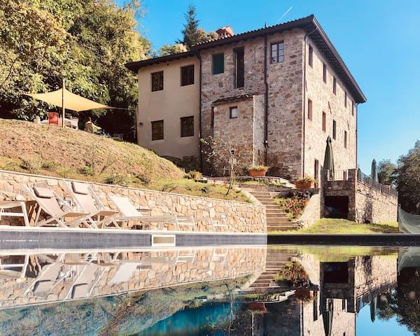 Villa Gromignana    Luxury Pool & Three Patios