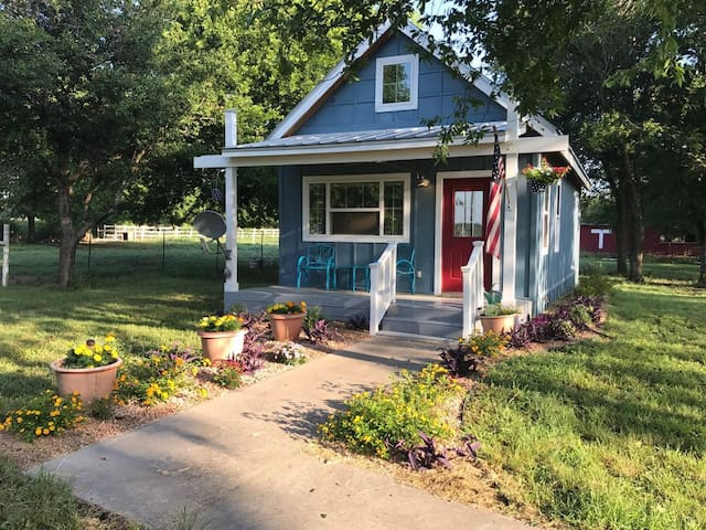 Cottage, Minutes from Magnolia/Baylor/Shopping