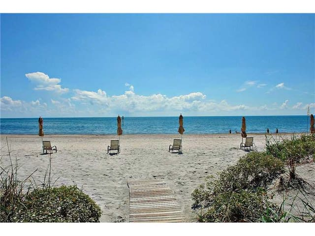 Spectacular Key Biscayne Apt close to the beach 3B