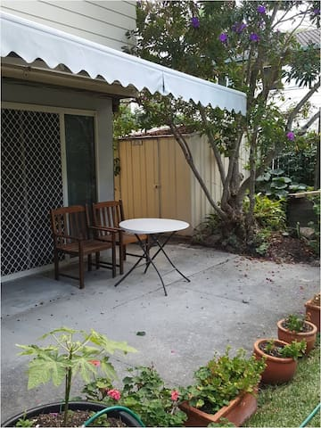 Self Contained Studio, Private Entry, Airport12min
