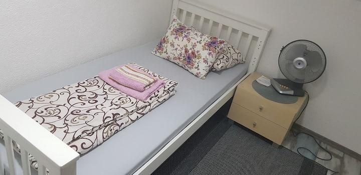 Mala jednokrevetna soba br 1