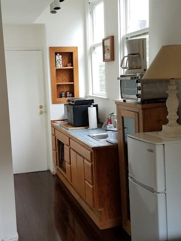 Spacious and Comfy 1 BR in Russian Hill