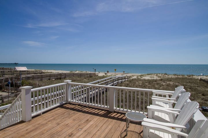Bring the entire Family! Beach Front, Private Beach Access, 4 Balconies with Amazing Ocean Views