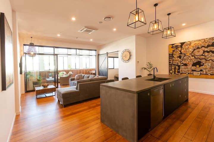 Parker's Apartments (Group)