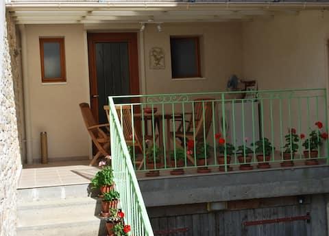 """Chez Henri et Martine"" furnished tourist accommodation"