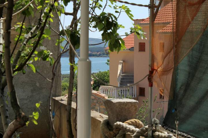 One bedroom apartment with terrace and sea view Kornić, Krk (A-5306-c)