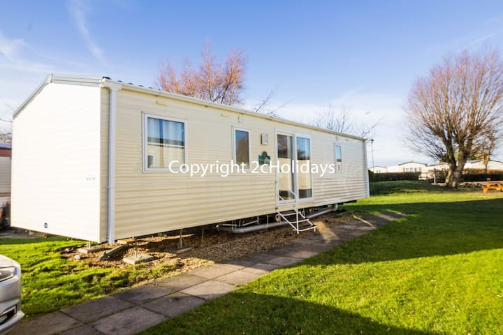 3 Bed, 8 Berth, 15050 Willows area.