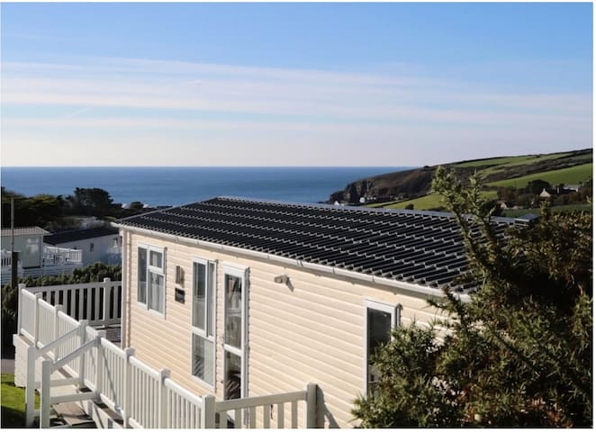 8 Atlantic Rise, Cornwall (Sea, Pool, Sand, Fun)