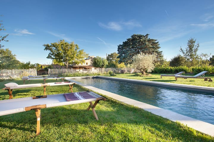 Beautiful cottage, lavender field view, pool
