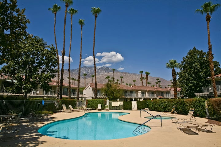 Mesquite Country Club remodeled 2b+2b,by the pool.