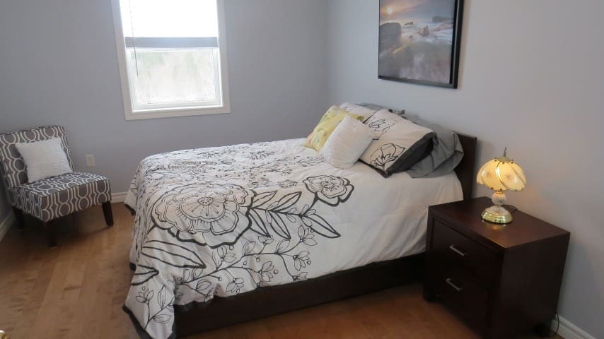 Newly Renovated 2 Bedroom Duplex - East Preston - Apartment