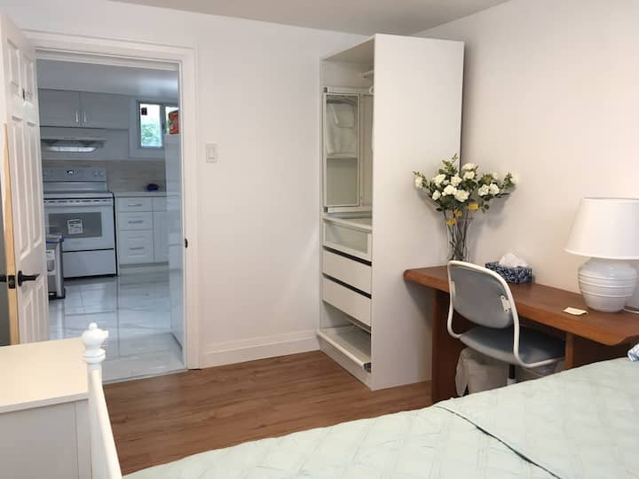 B4 New renovated bedroom for single persons