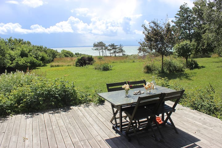 Summerhouse, own beach, flower garden, guest house - Sjællands Odde