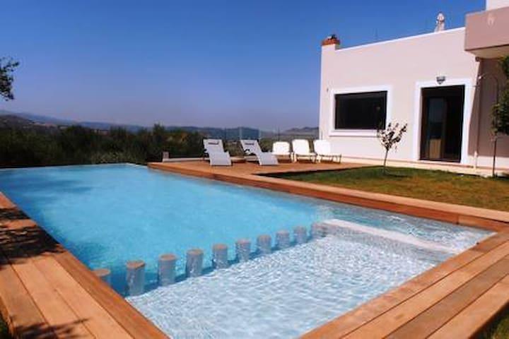 Villa lofos (330sqm), full view, big private pool