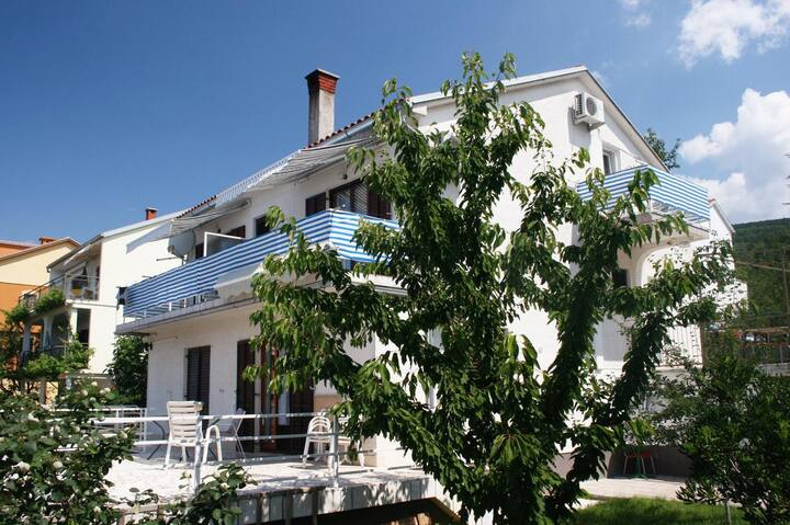Room with terrace and sea view Selce, Crikvenica (S-2362-a)