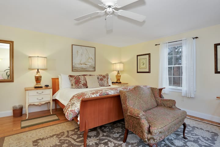 Refugio Suite at Brewster by the Sea Inn
